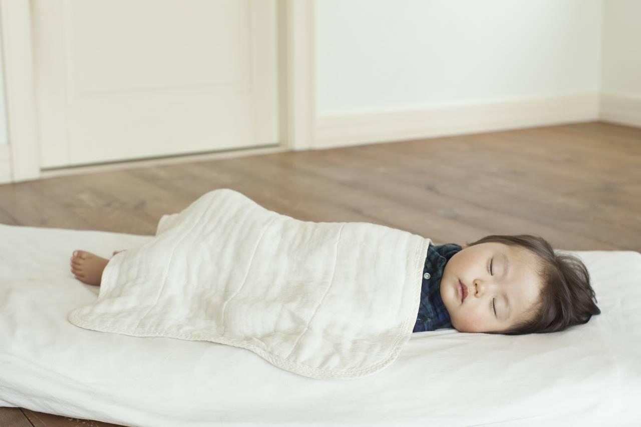 秋は綿毛布で赤ちゃん快適!綿毛布の特徴や使い方と洗い方のポイント