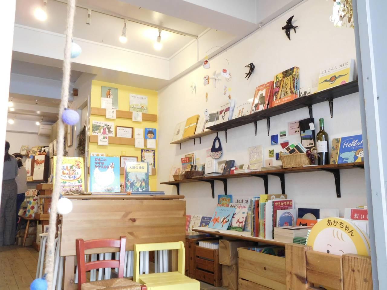 【東京・都立大学】大人もハマるオリジナル絵本が魅力!ニジノ絵本屋