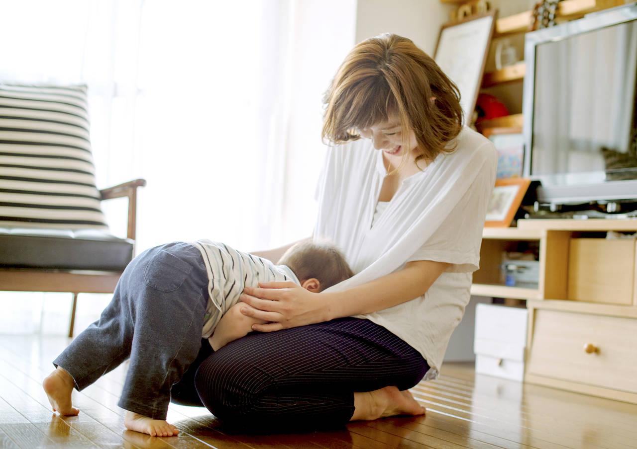 赤ちゃんが立つけど転んでばかり!転倒防止策と転んだときの対処法