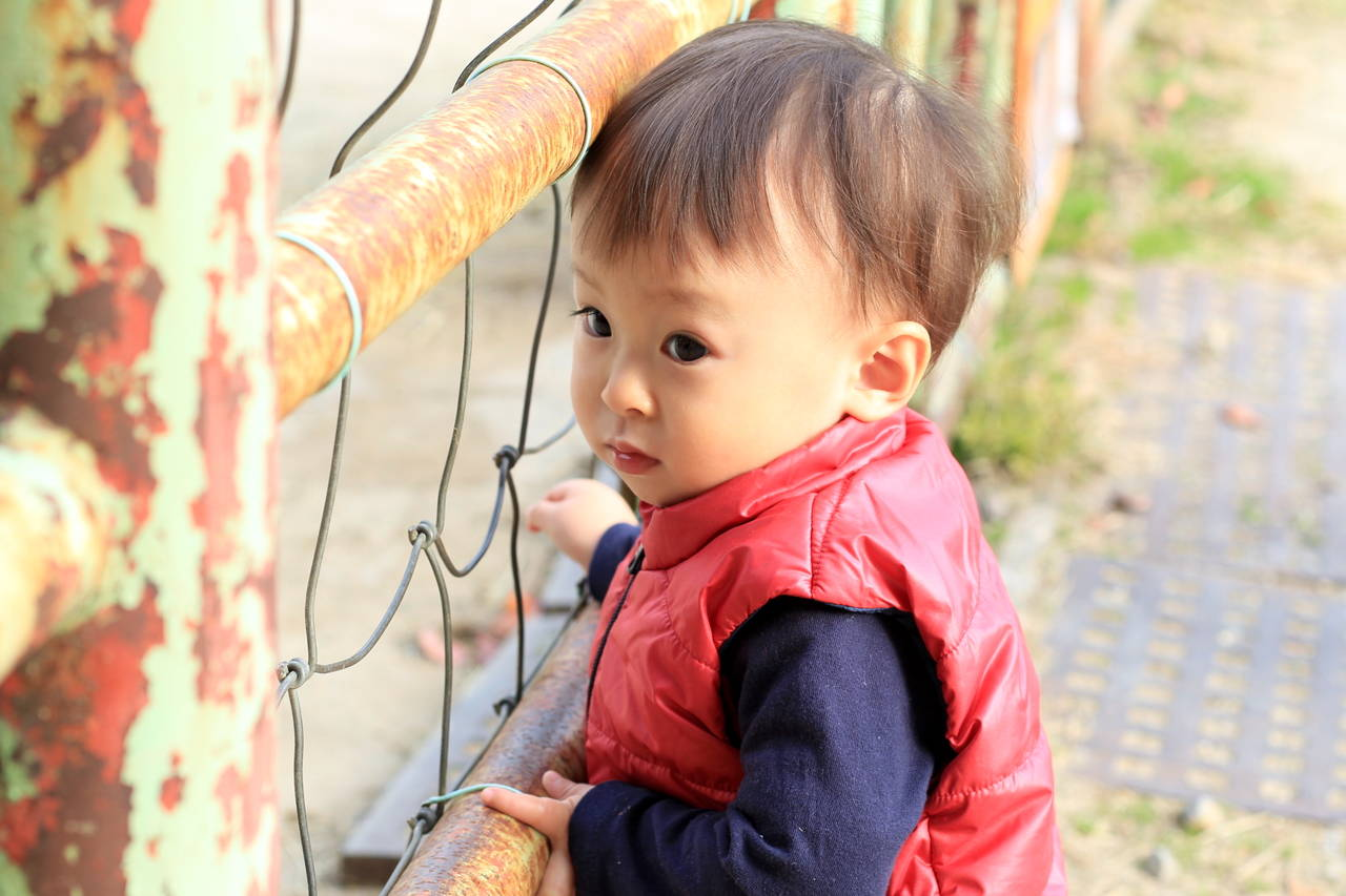 赤ちゃんのおしゃれな冬服コーデ。ポイントやアウターと小物の使い方