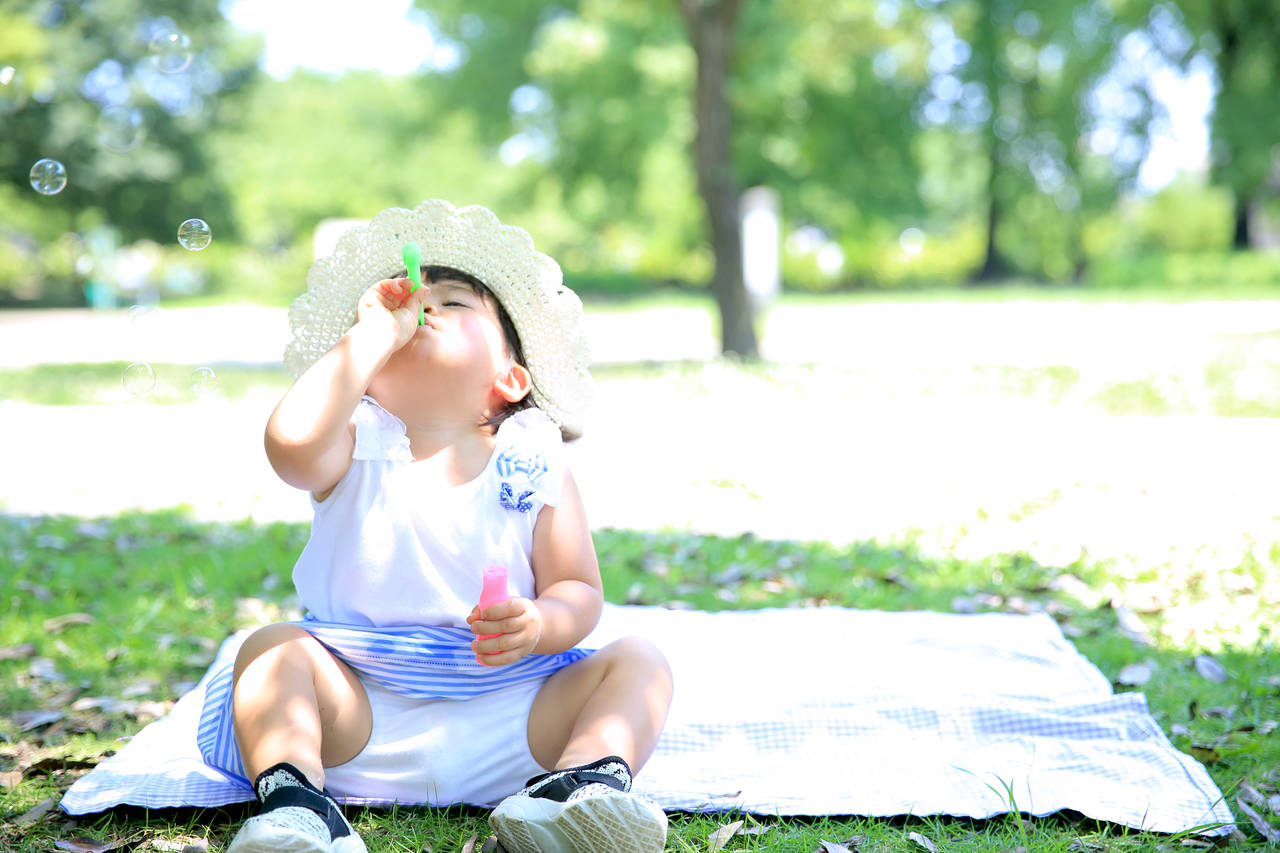 子どもがシャボン玉液を飲むと危険?安全な楽しみ方や誤飲の対処法