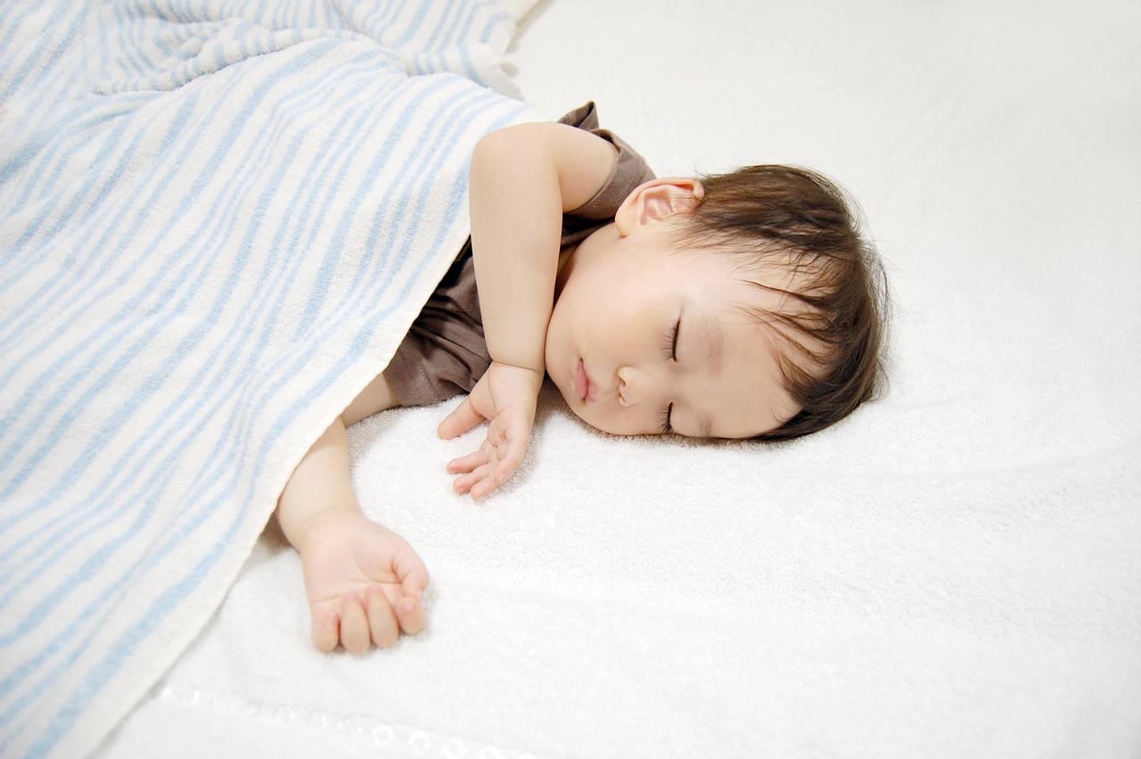 赤ちゃんの寝汗がすごい量!少しでも快適に寝てもらう方法