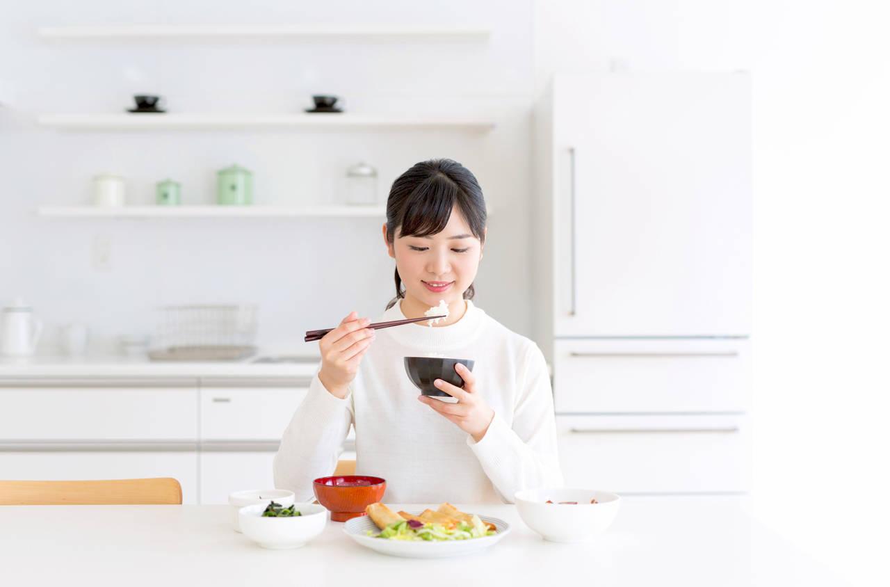 授乳中の食欲がとまらない!体重をコントロールする方法や注意点