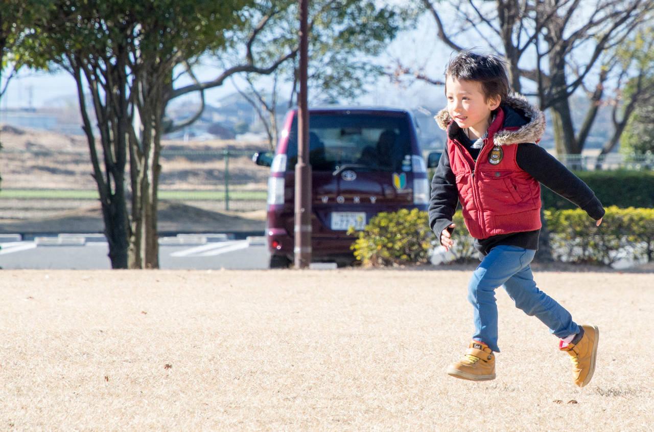 子どもの冬靴が豊富なブランドは?人気ショップとお手入れ方法