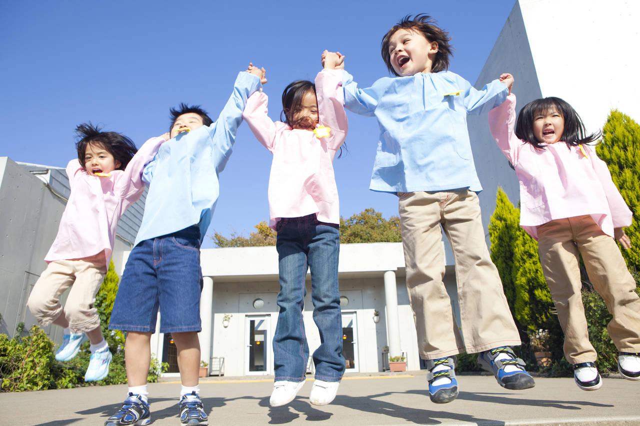子どもがジャンプするのはいつ?ジャンプするまでのステップと練習法