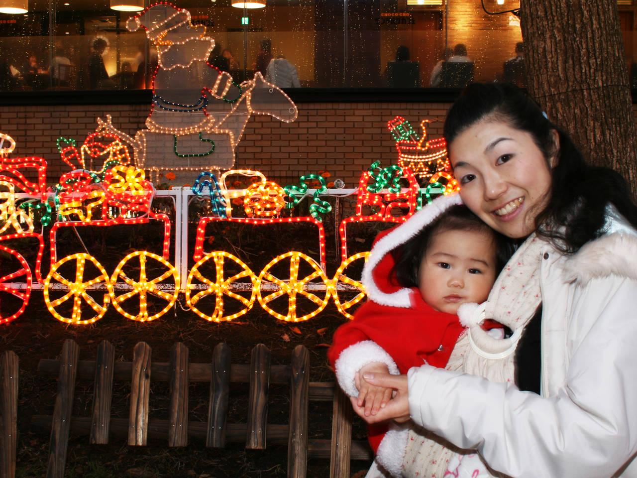 クリスマスは子連れで遊び尽くそう!イベントやイルミが素敵な遊園地