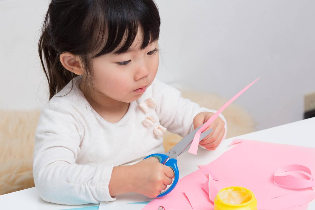 子どもとできる簡単な切り絵を楽しもう!コツや図案サイトの紹介