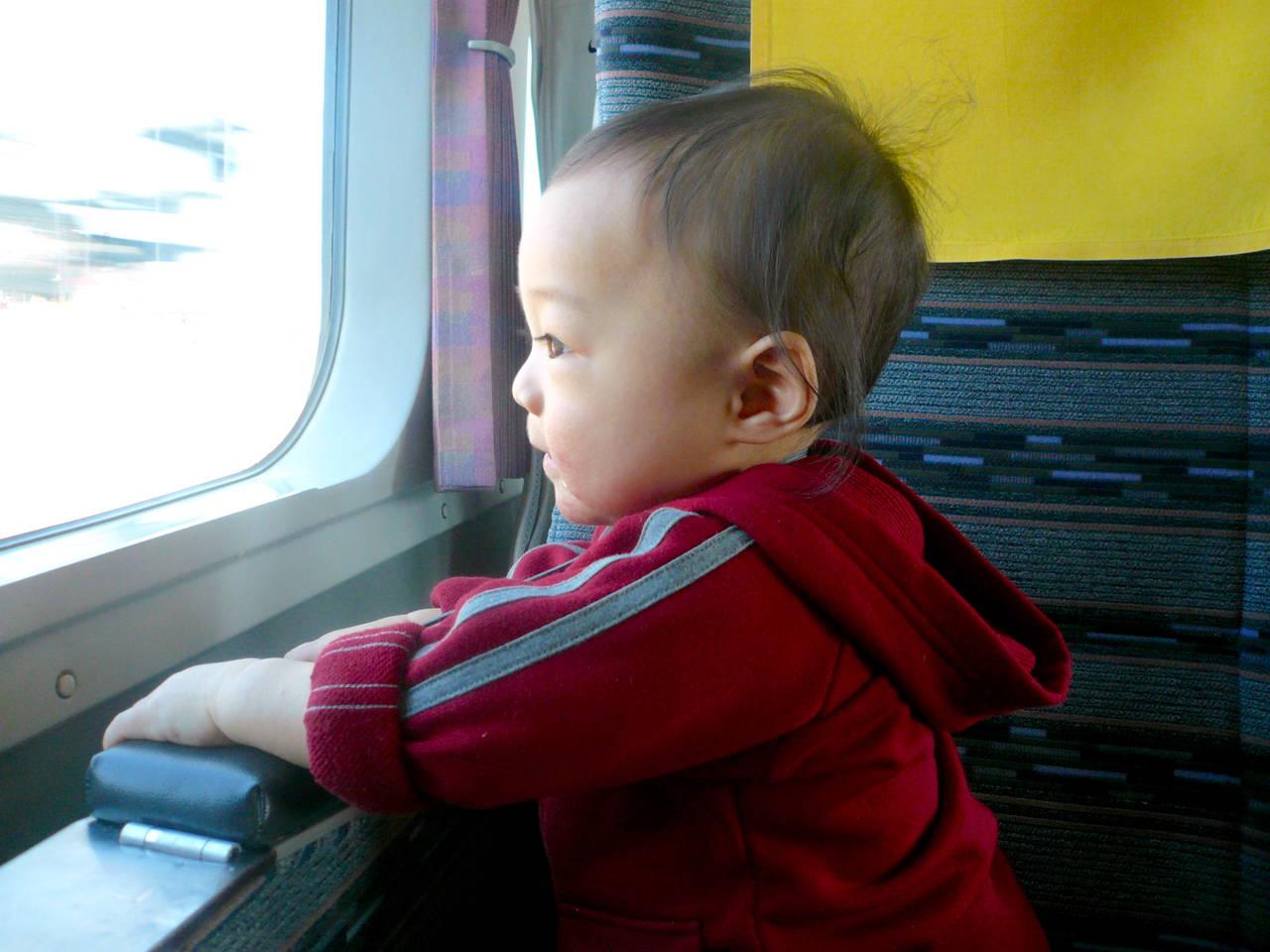 冬休みに赤ちゃんと旅行したい!赤ちゃん連れ旅行の楽しみ方と注意点