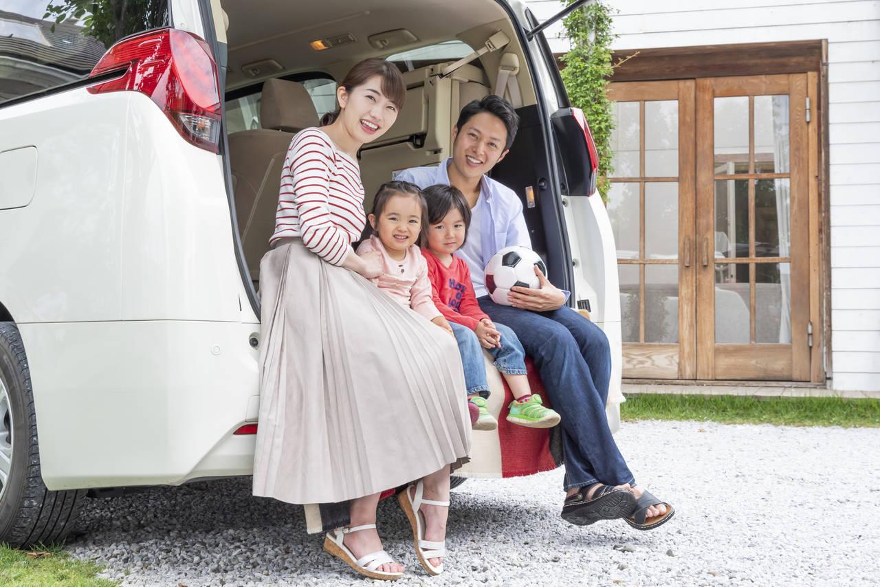 車内で子どもと快適に過ごすには?収納グッズやお出かけ時の注意点