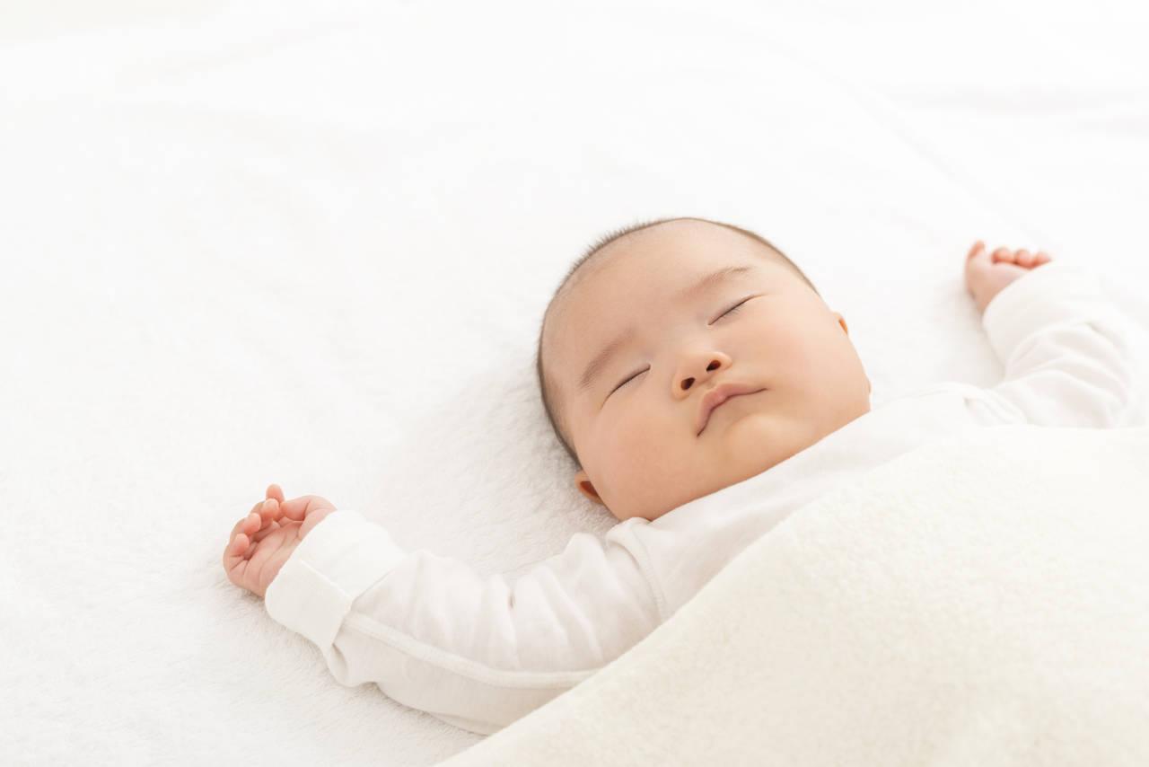 赤ちゃんの快適な睡眠は寝具から!秋冬用アイテムや快適な睡眠環境