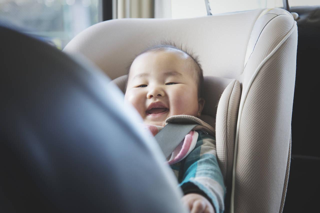 車内に赤ちゃんが見える補助ミラーを!メリットと選び方のポイント