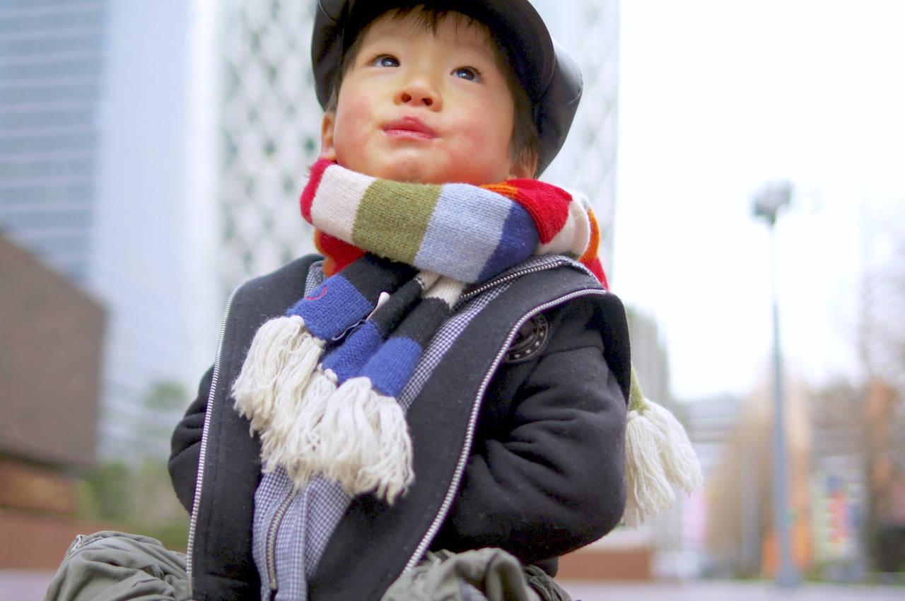 子どもの冬の服装の選び方!肌着と重ね着テクで元気に冬を過ごそう