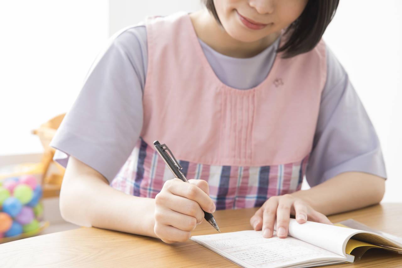 育児日記を簡単に始めるコツ!日記の選び方や続けるポイント