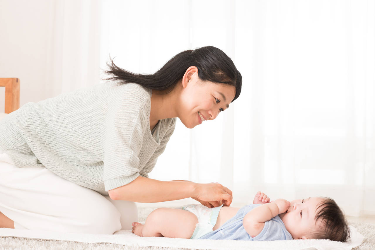 赤ちゃんのおむつ交換のとき手洗いをするべき?手洗いの必要性とは