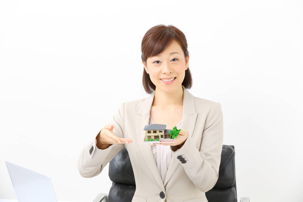 宅建の資格は働きたいママに有利?取得のメリットと効率的な勉強法