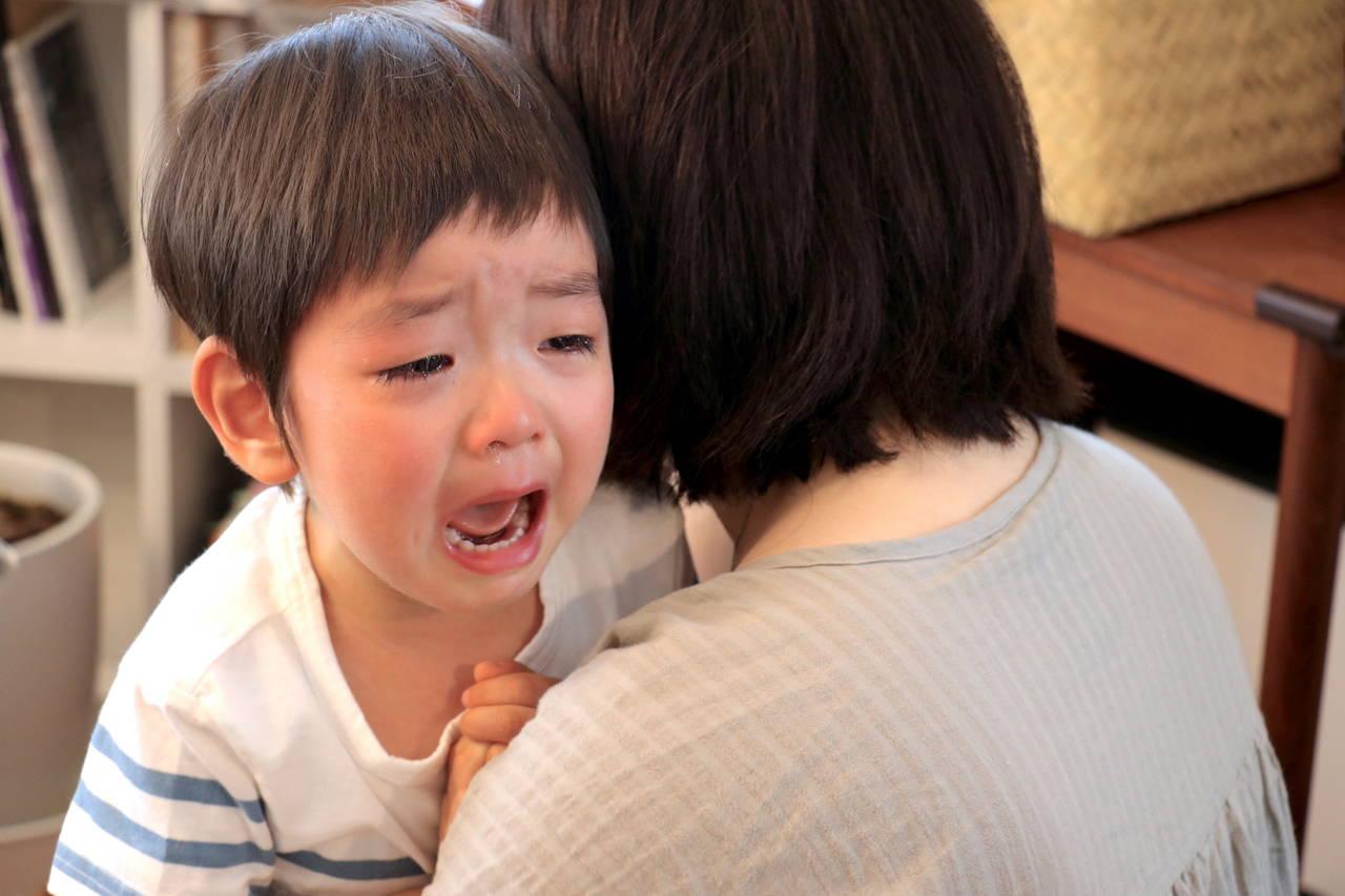 子どもが夜中に号泣するのはなぜ?夜泣きの原因や対策を知ろう