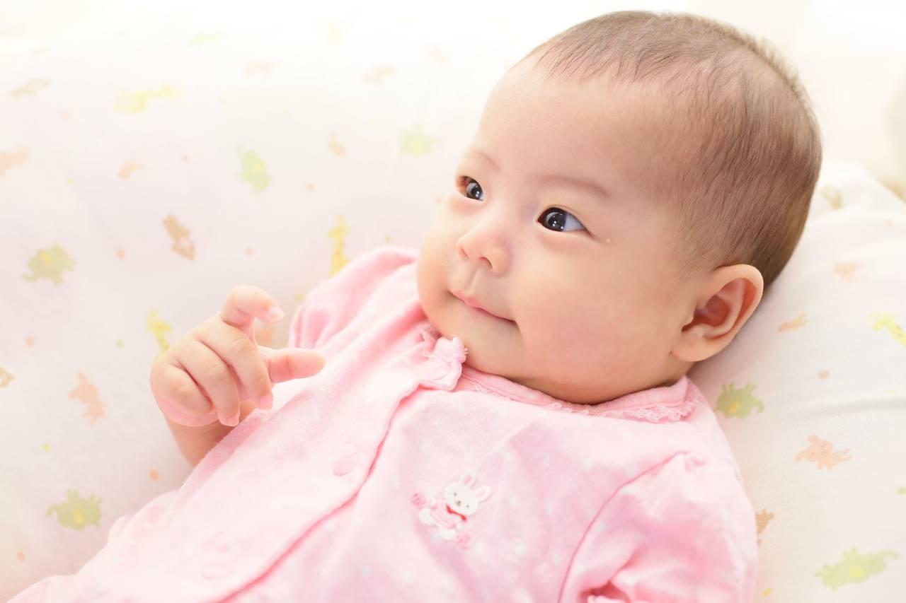 生後赤ちゃんが動くのはどんなとき?赤ちゃんの成長と動きを促す方法