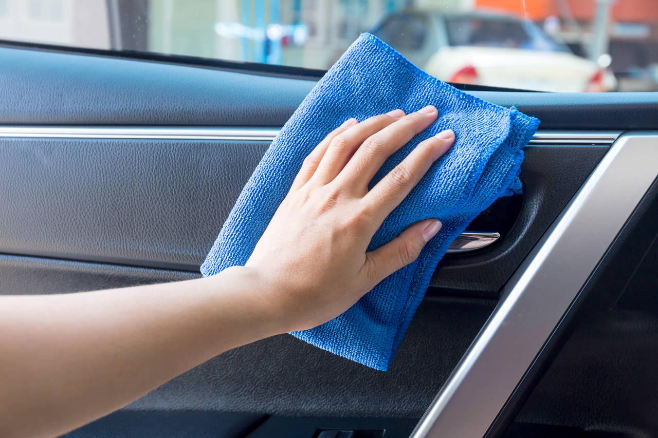 子どもが乗る車内を綺麗に保とう!汚れへの対策や掃除方法とは