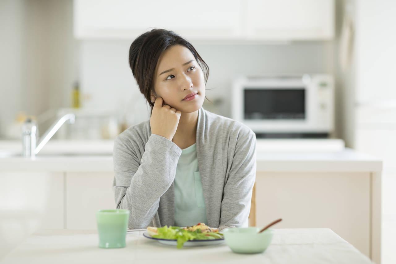 出産後はなぜ食欲低下してしまうの?原因と対処法を知って乗り切ろう