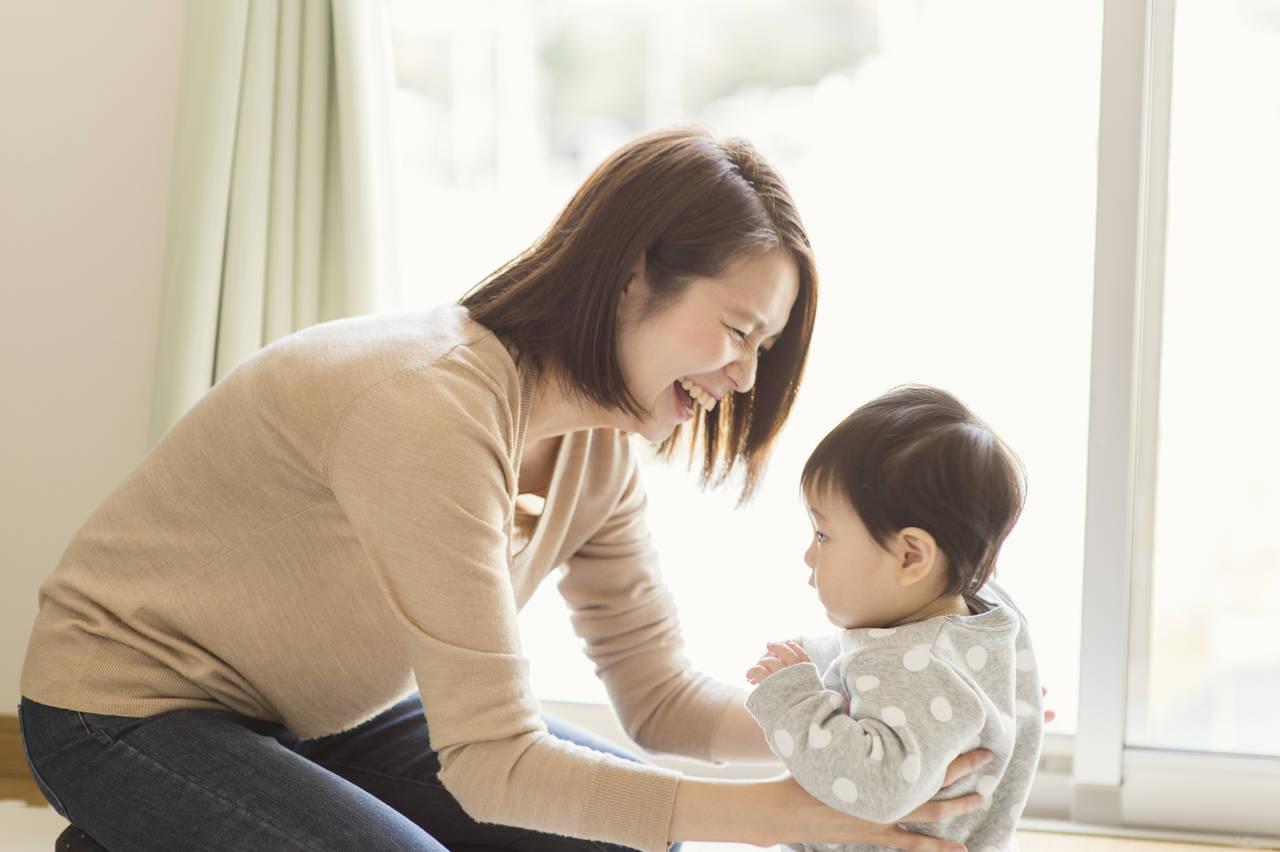赤ちゃんの冬場の肌着はどうする?適切な着せ方と気づかいポイント