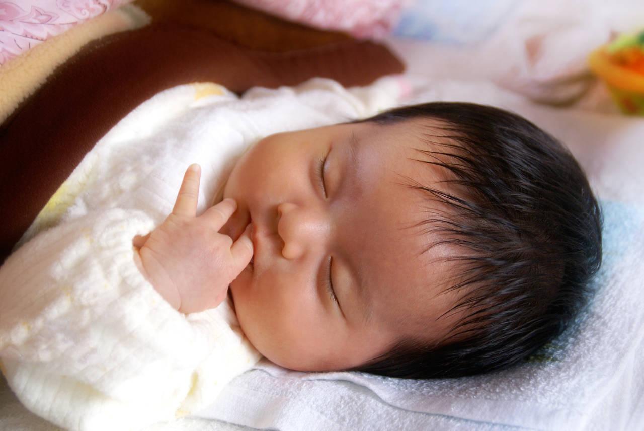 赤ちゃんが冬場に使う布団を選ぼう!快適に眠れる掛け方と注意点とは