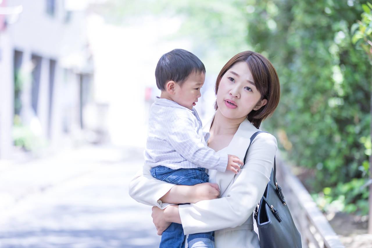 母子家庭の仕事探しは大変!大変な理由や資格取得、求人媒体について