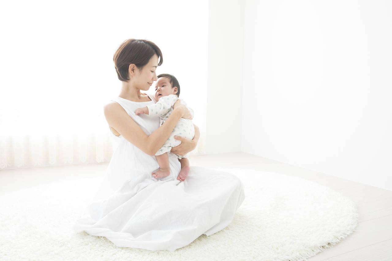赤ちゃんの効果的なあやし方!泣く原因や先輩ママからのアドバイス