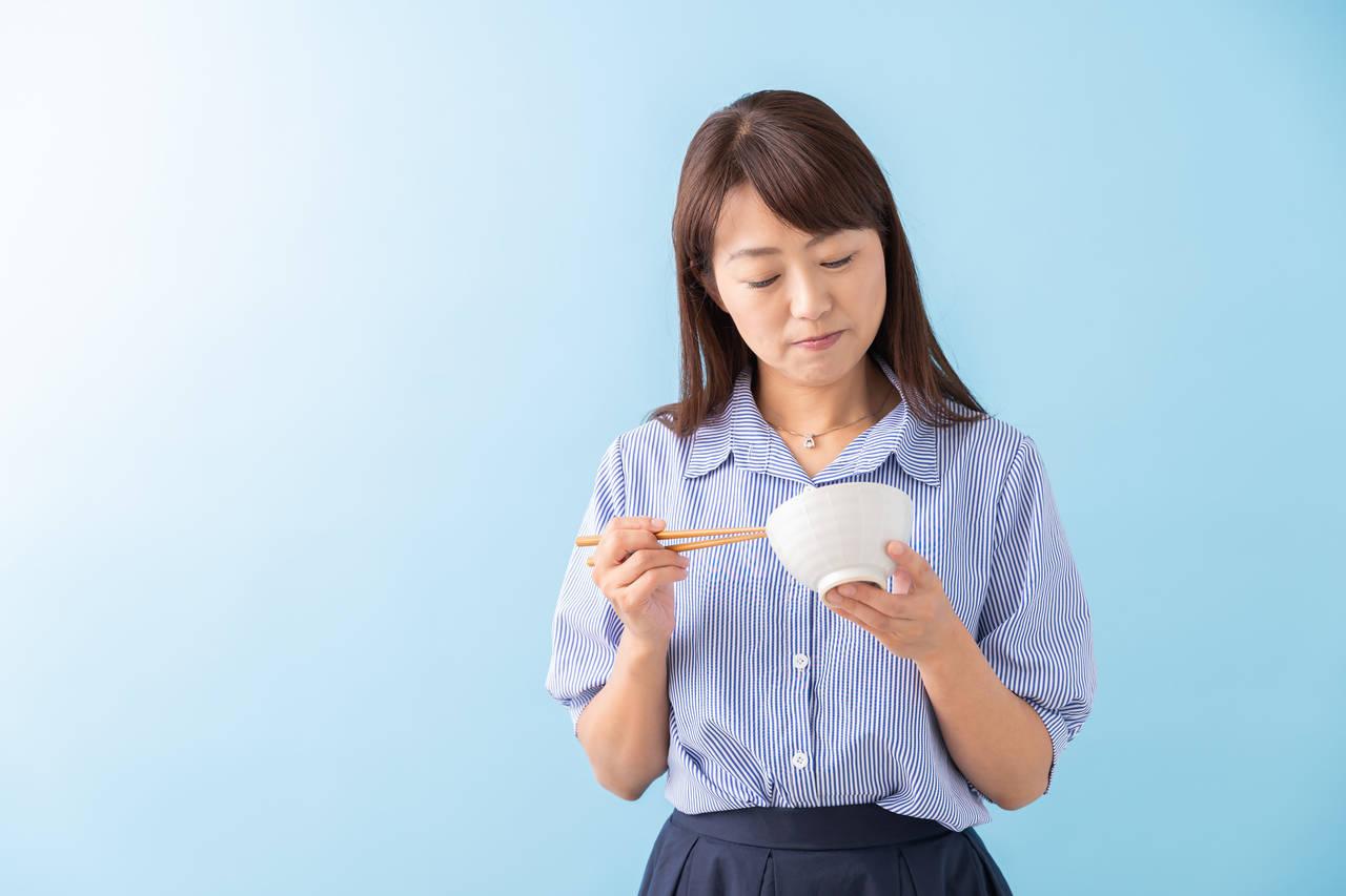 40代ママの食欲減退、旺盛の原因と対処法は?更年期障害との関係