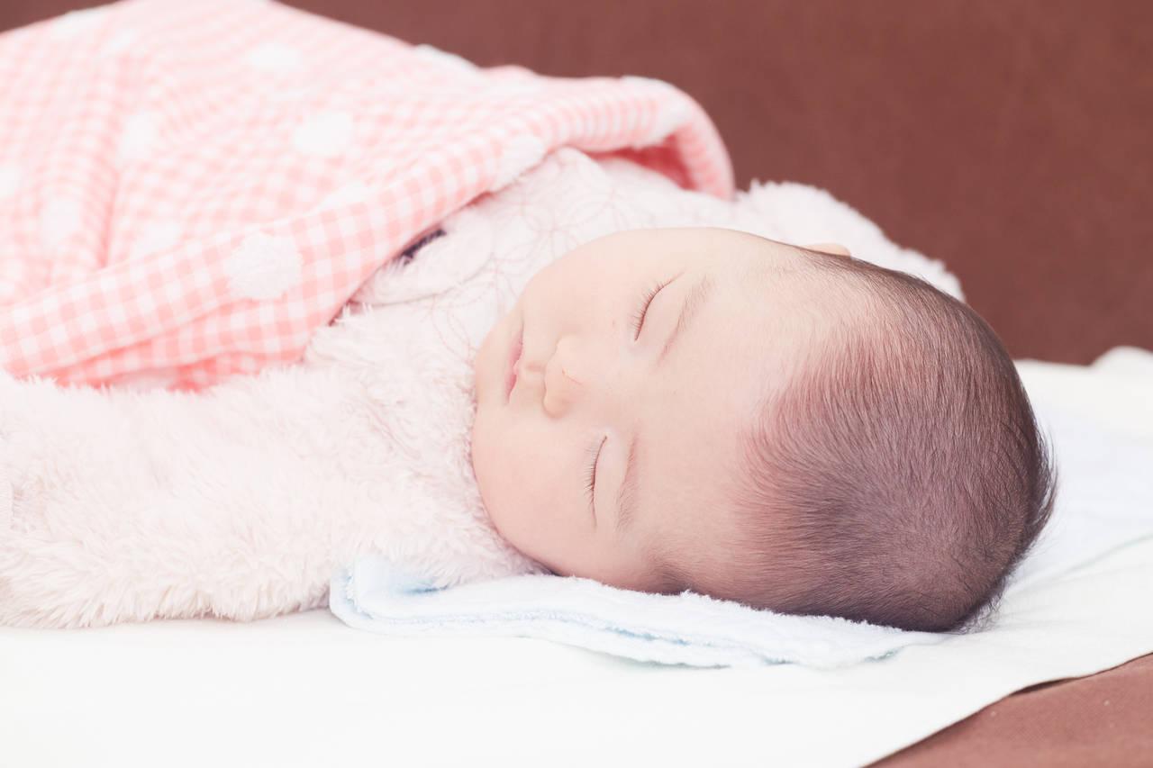 赤ちゃんの冬用布団はどうしたらよい?室内環境や服装も気を付けよう