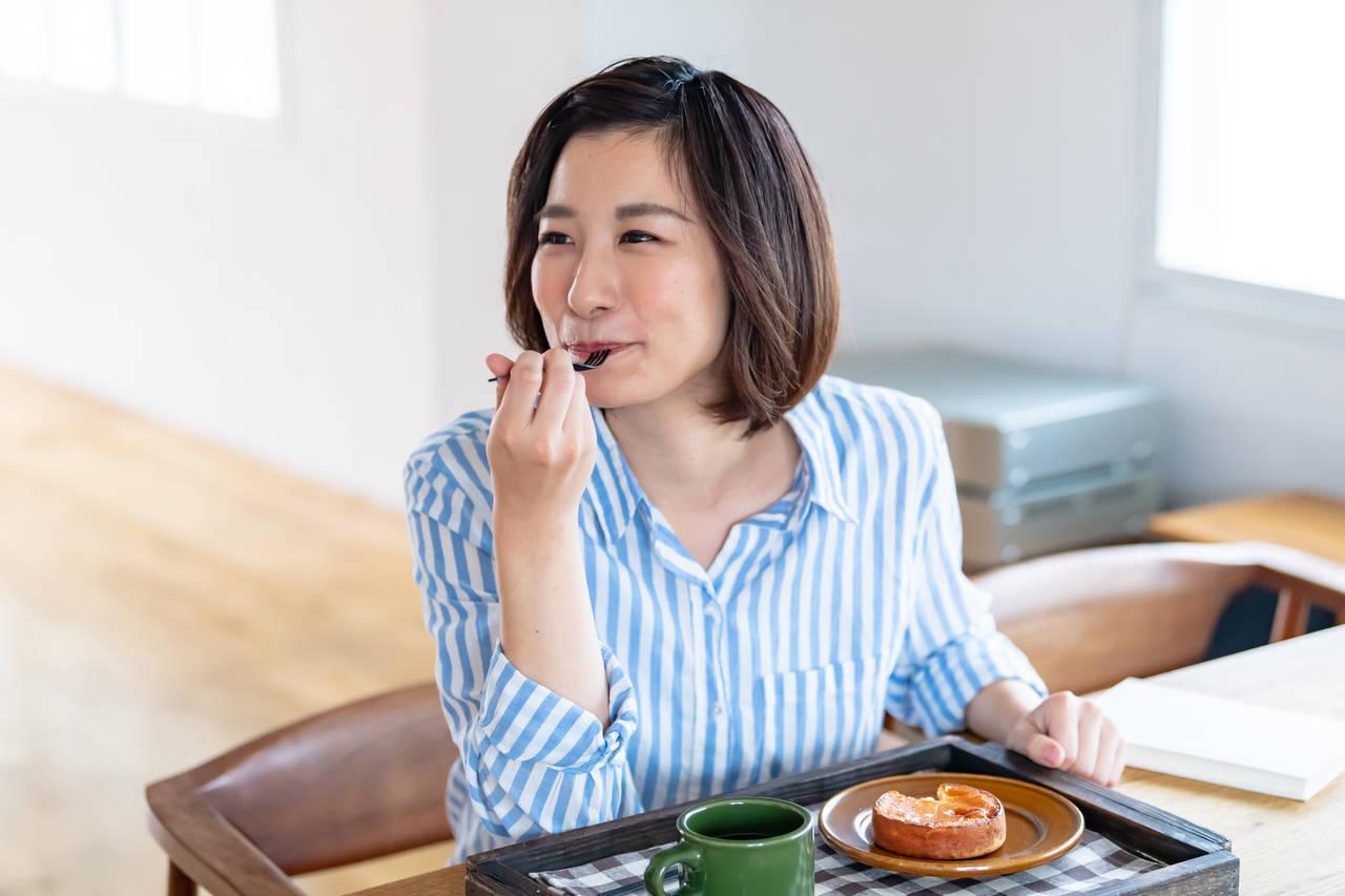 40代で食欲旺盛になるのはなぜ?食欲旺盛の原因や対処法について