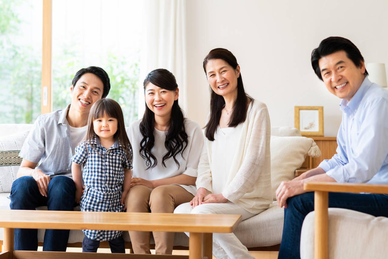 実家同居がもたらす夫婦生活への影響とは?家族円満の秘訣をご紹介