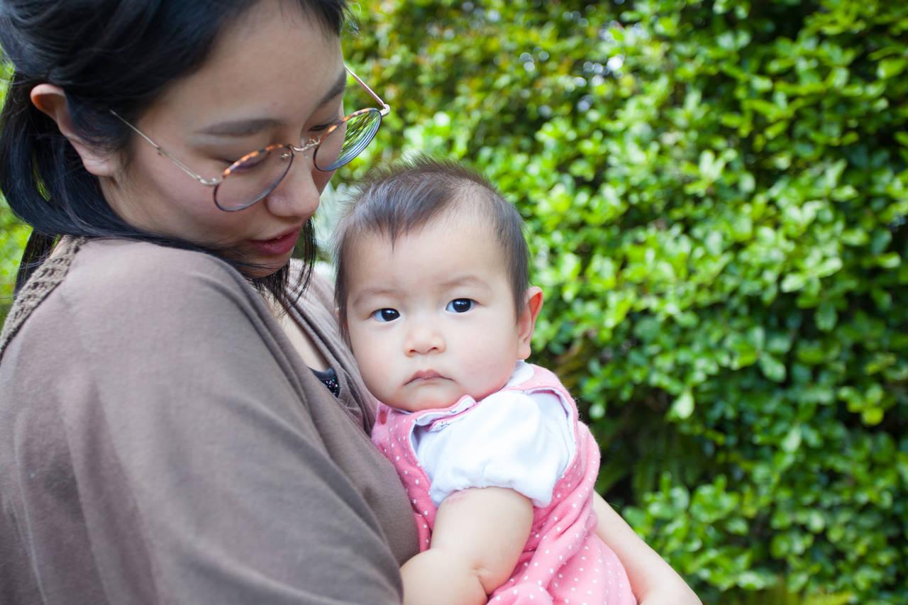 6カ月の赤ちゃんの特徴は?遊びの変化や初めての歯に感動がいっぱい
