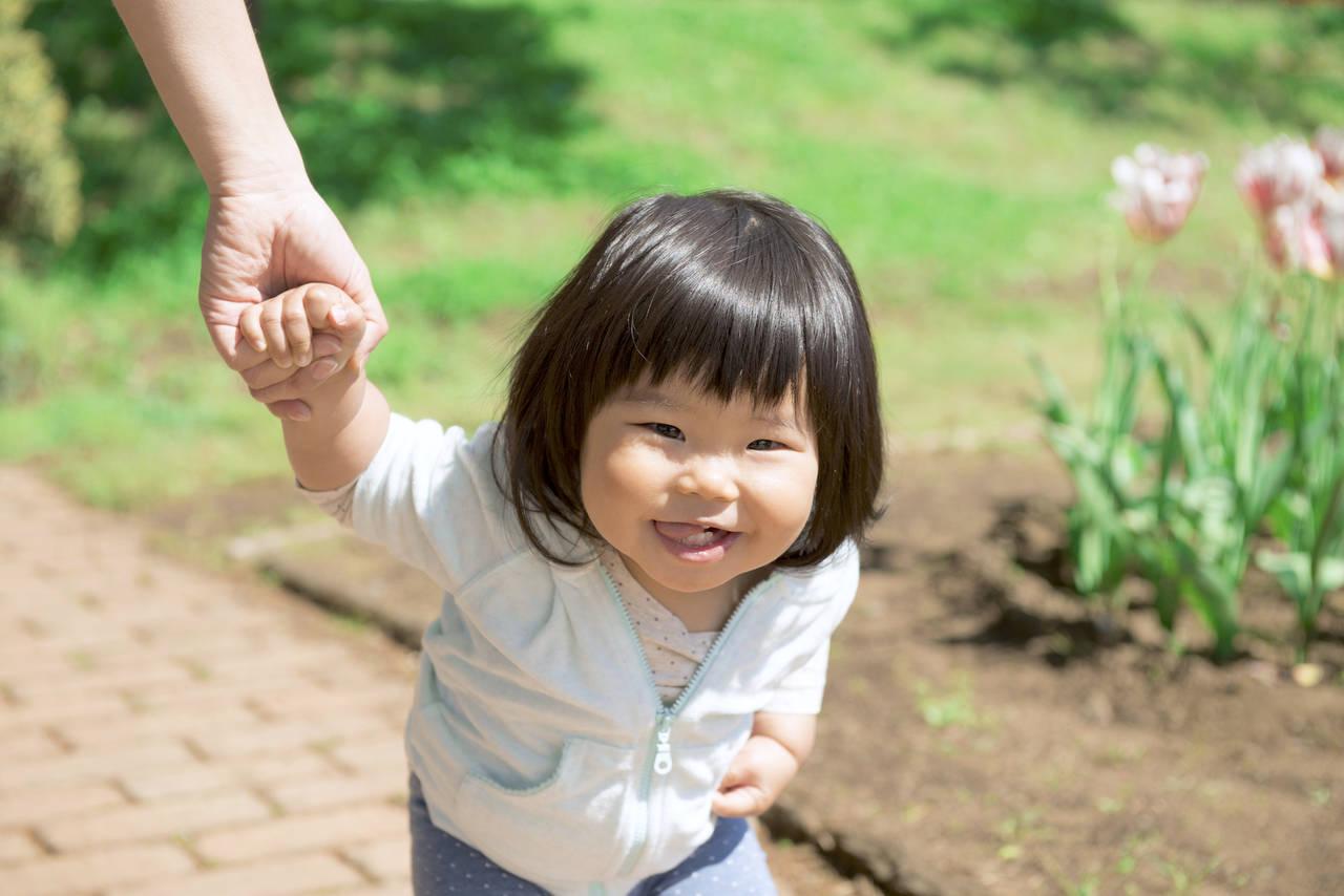 子どもはなぜ動き回るの?原因と対策方法や注意点について
