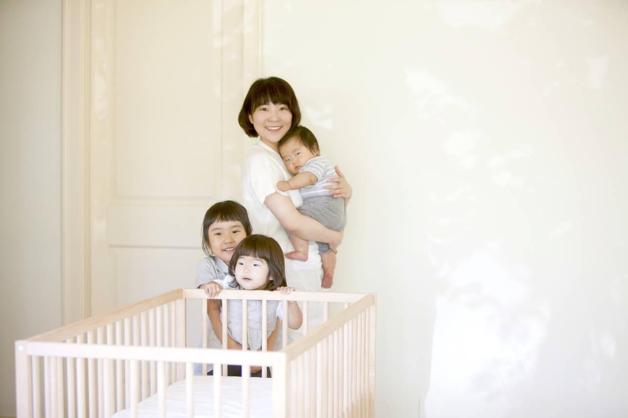 ずっと抱っこの3人目育児。気持ちを切り替えてハッピーになろう!