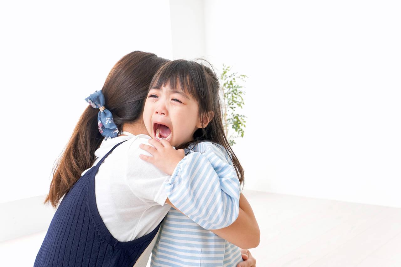 子どもが幼稚園に行きたくないと号泣!対処法や登園時の上手な別れ方