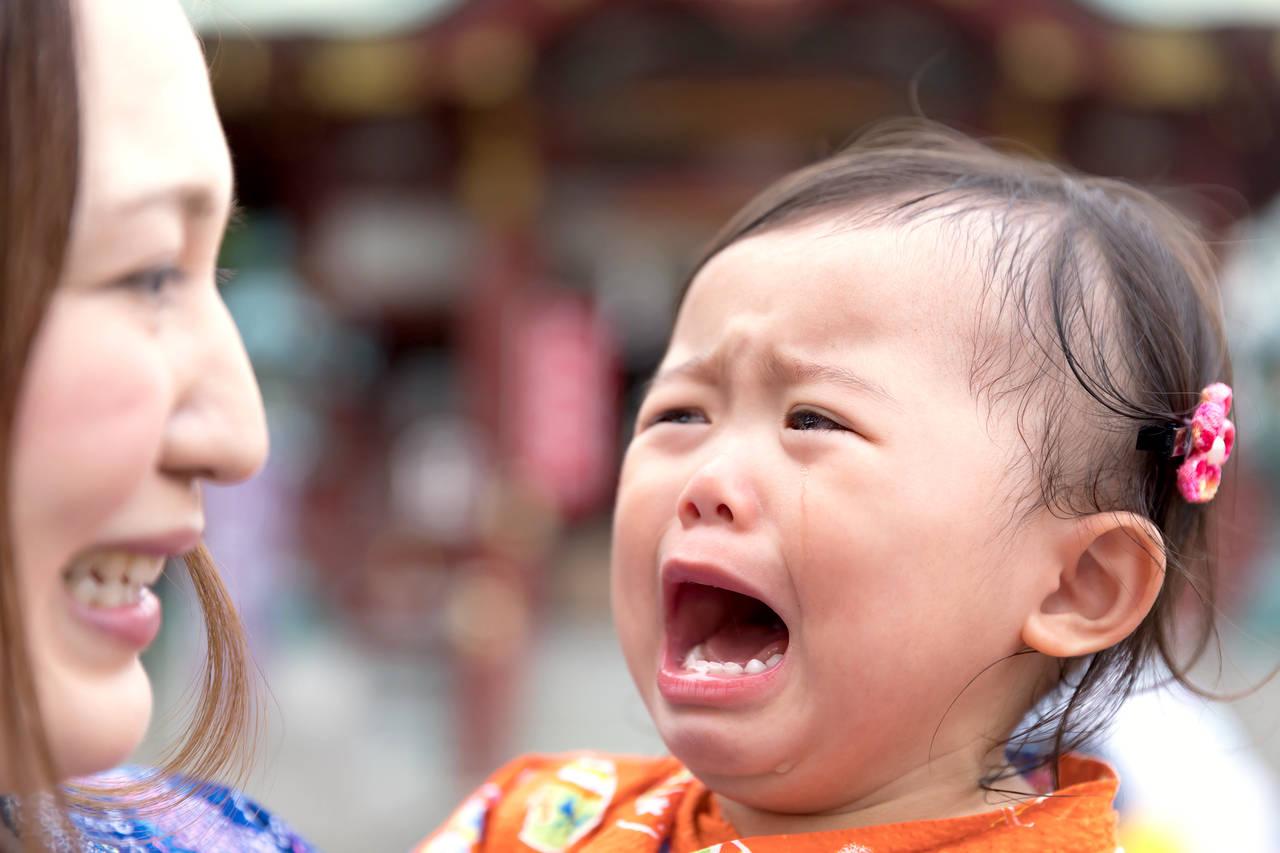 困ってしまういつまでも泣く子ども!泣く理由と成長に合わせた対応策