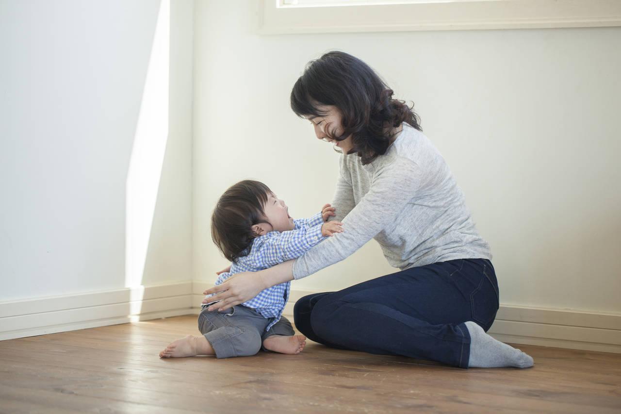 子どもの甘え泣きは成長の過程!上手な対処法と甘えを受け入れる効果