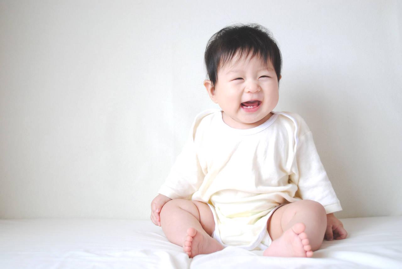 生後8カ月の赤ちゃんの特徴は?お世話のポイントと夜泣き対策