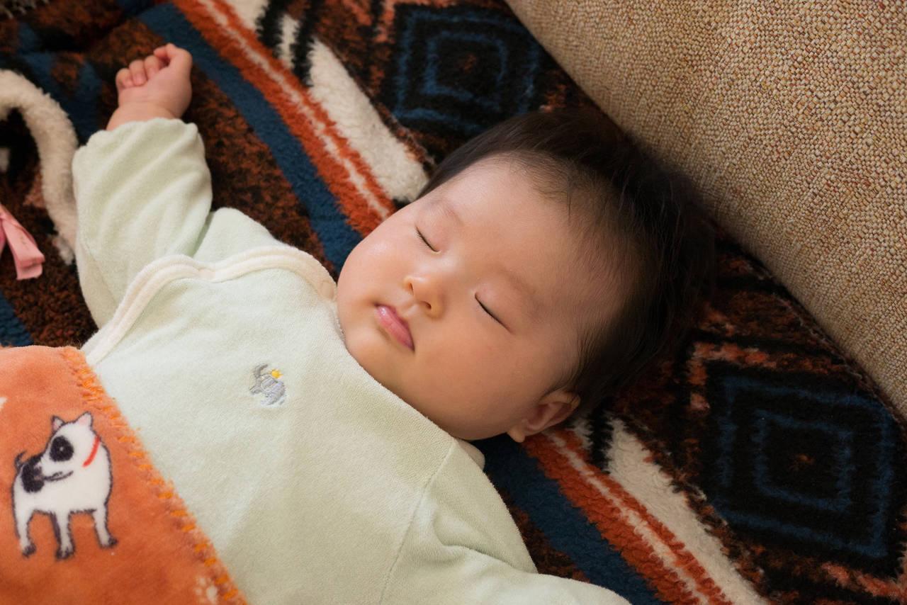 赤ちゃんの睡眠環境を暖めるには?快適で安全な就寝のためにすること