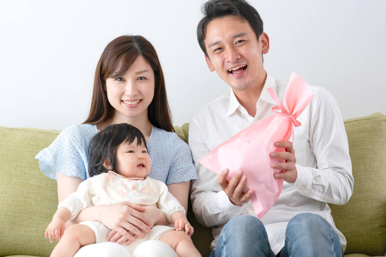結婚記念日を子どもと一緒に楽しもう!自宅や外で祝うアイデア満載