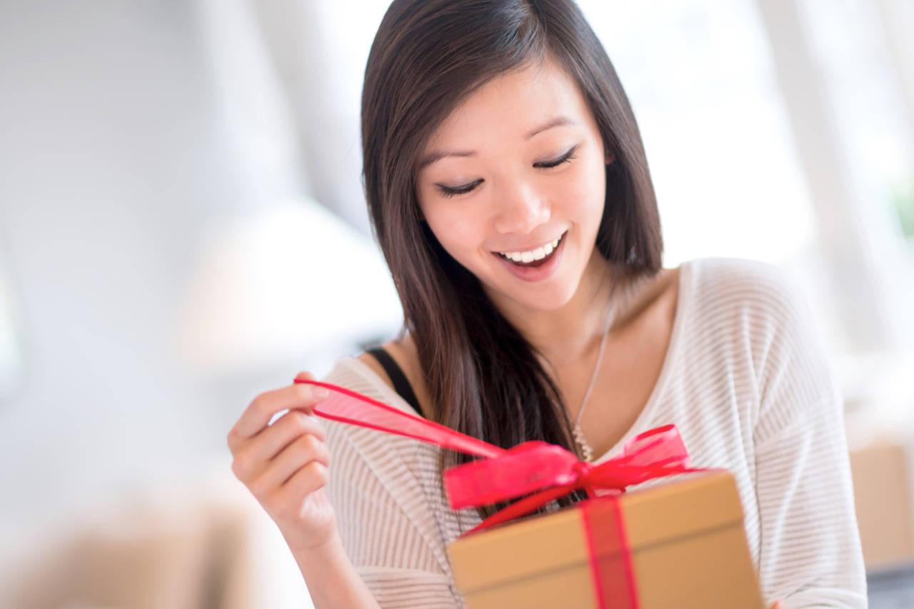 海外の家族や友人に出産祝いを!日本らしい贈り物と海外発送の注意点