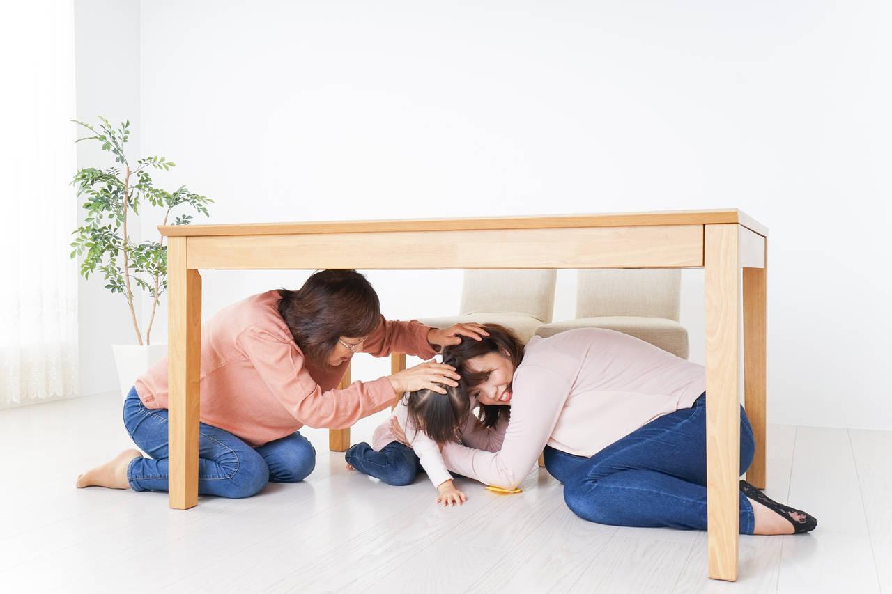 地震から赤ちゃんを守る準備を!震災前後の対応策や防災グッズを紹介