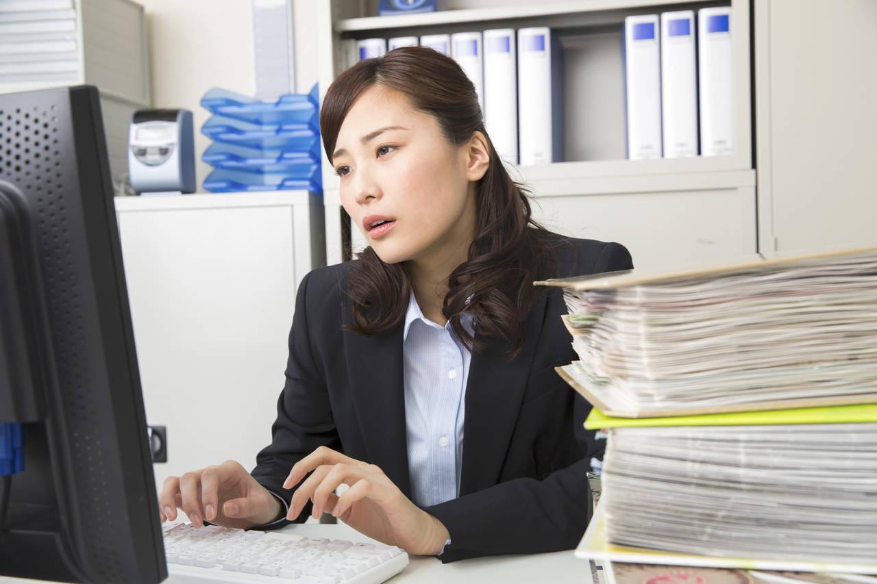 つわりで気持ち悪いときの仕事対策!職場への対応やつわりへの対処法