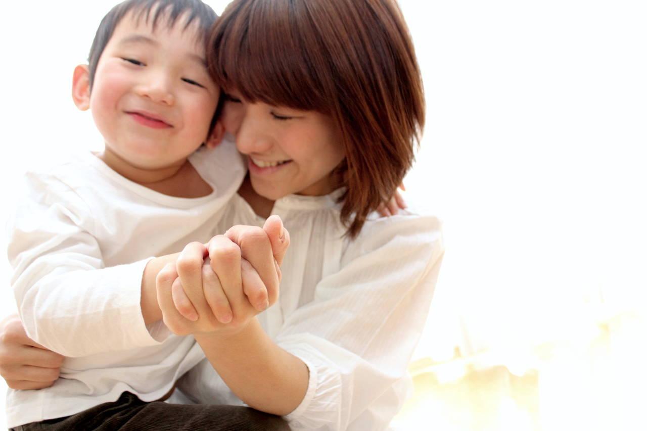 息子のママっ子はいつまで続く?見守り方と年齢別対策アイデア