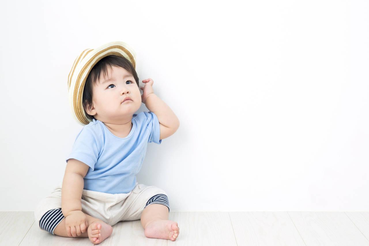 1歳の子どもの服のサイズは?季節に合った服装や選び方をご紹介
