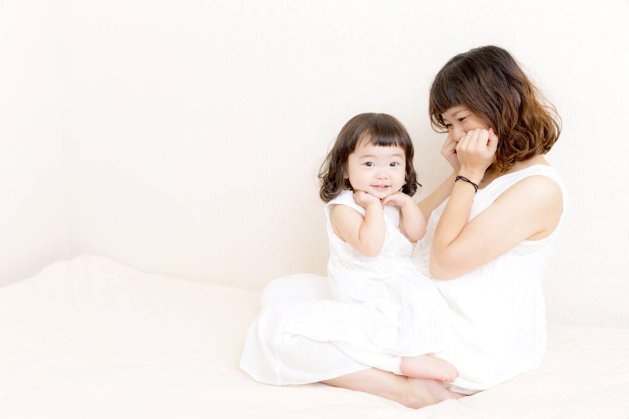 子どもが真似する時期はいつ頃?家族の真似をすることでの効果とは