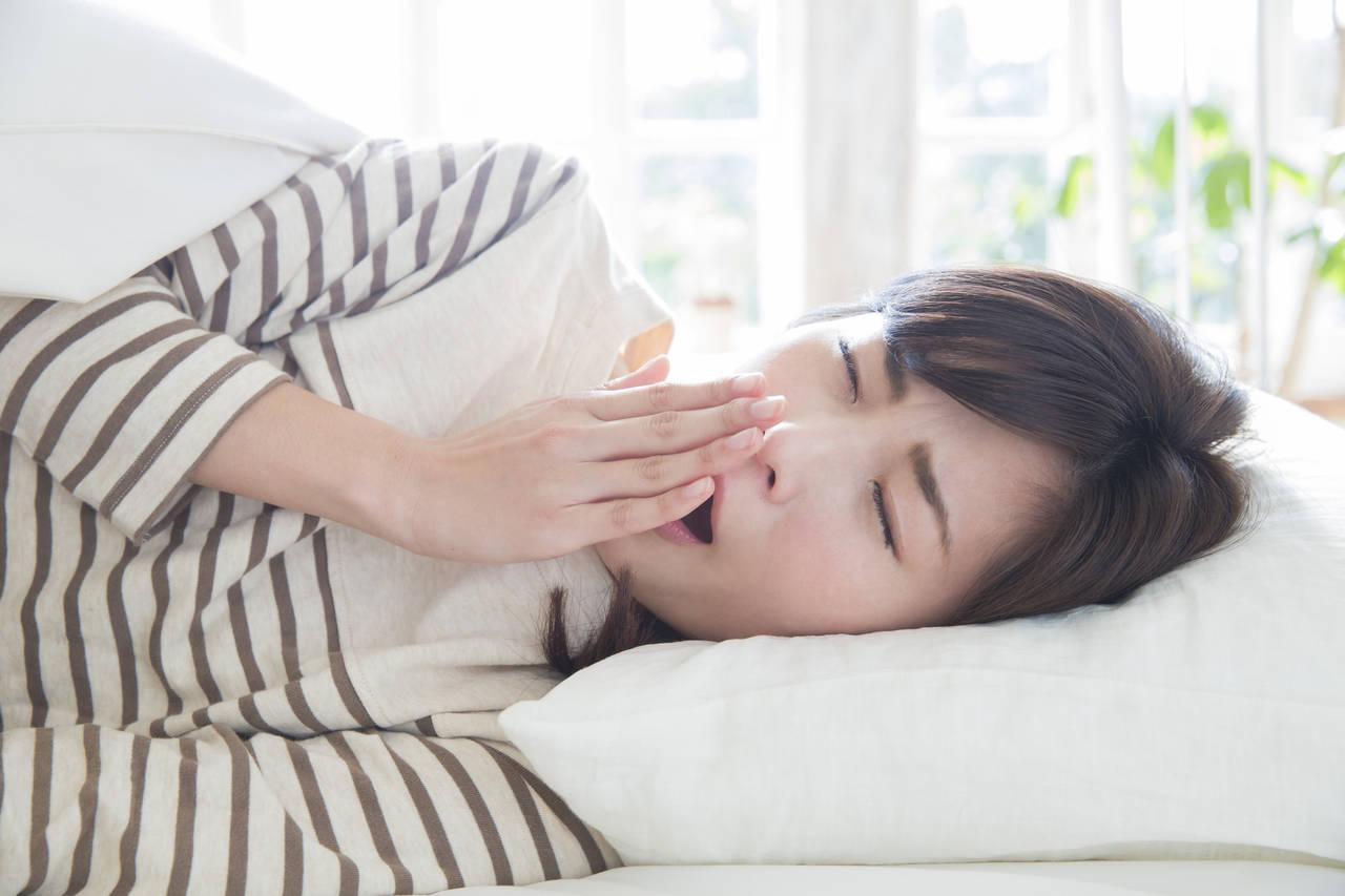 寝不足ママの睡眠環境を改善するには?原因や生活習慣見直し方法