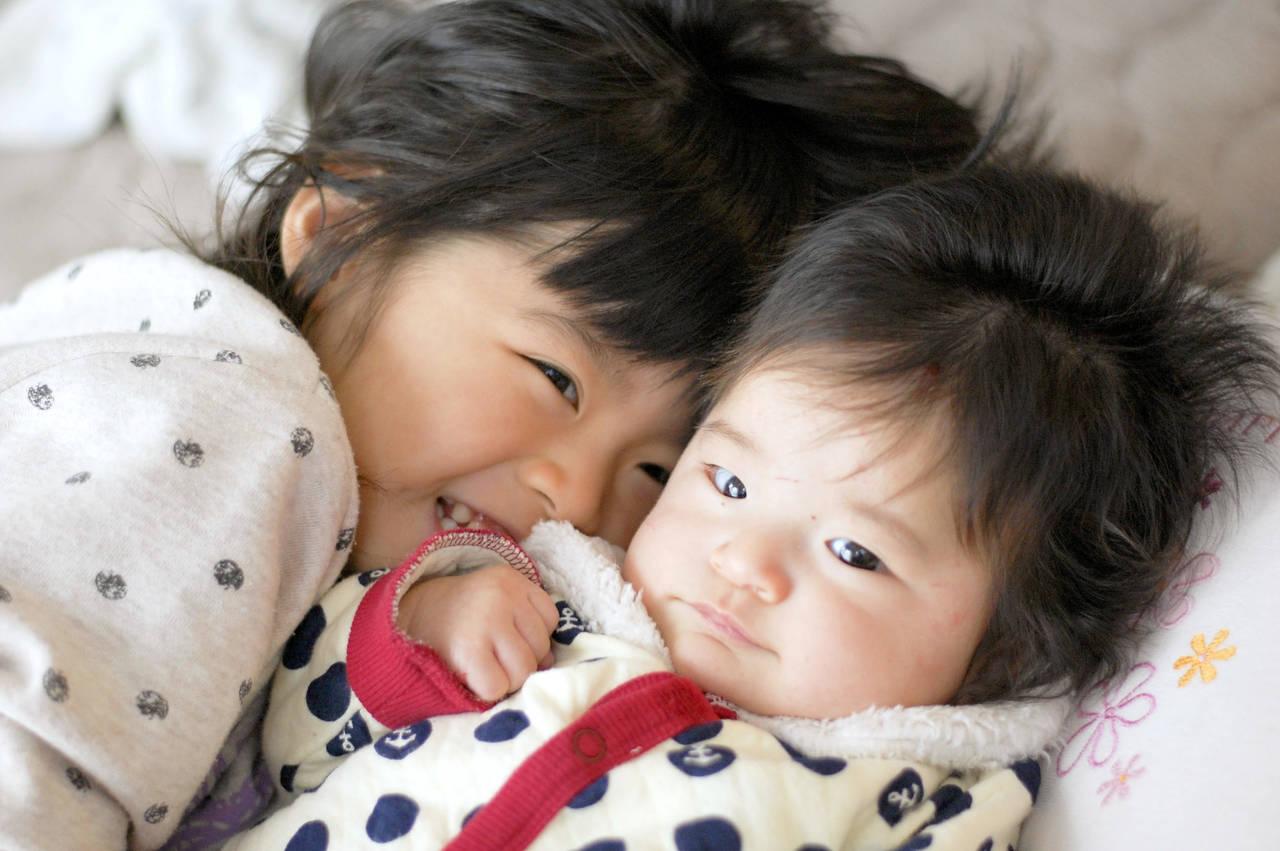 上の子の赤ちゃん返りを理解しよう!年齢ごとの特徴や対応方法