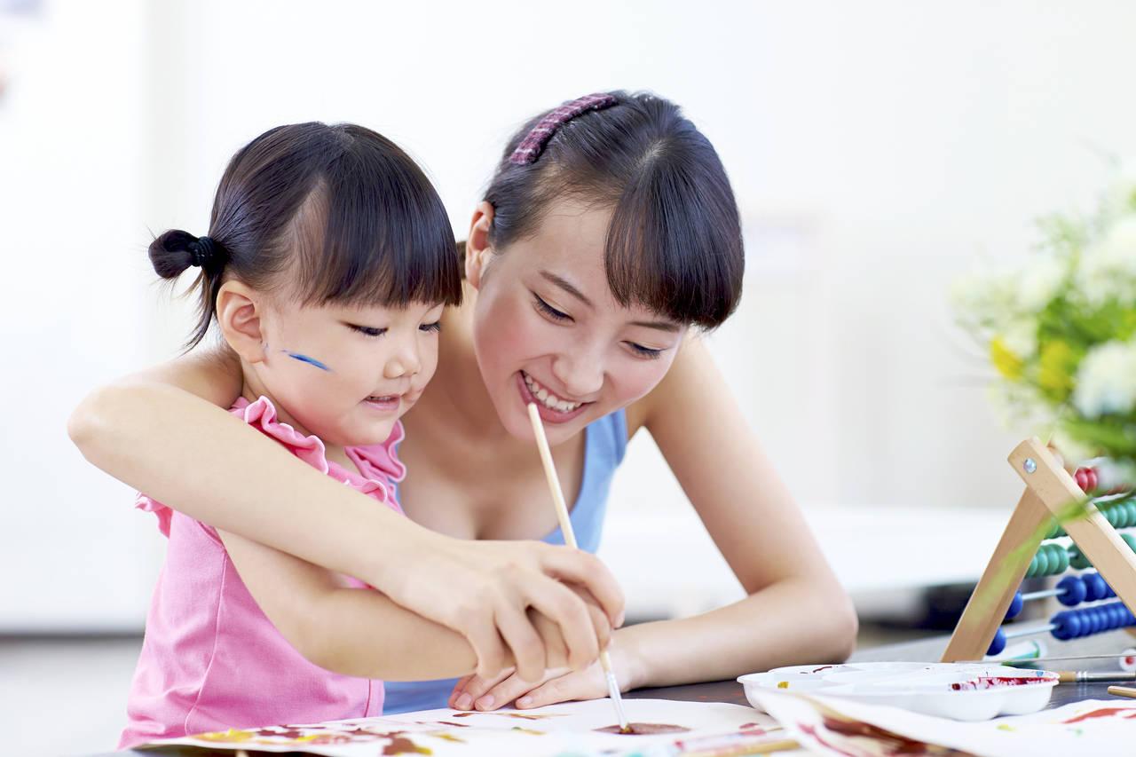 絵の具を使った2歳児との遊び方!親子でいろいろな遊びを楽しもう