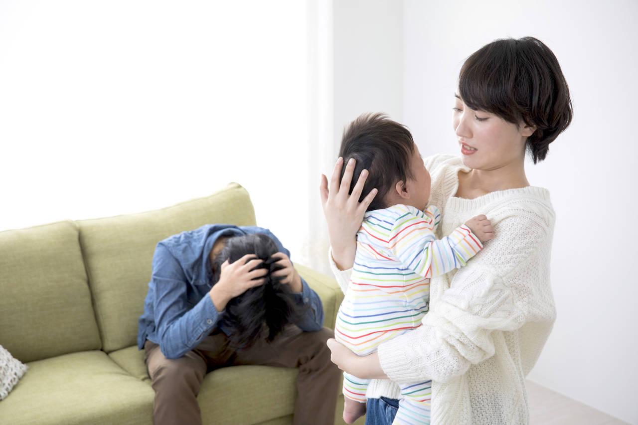 パパの育児疲れは意外と深刻!パタニティブルーの知識や対応のコツ